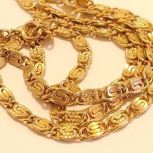 VINTAGE TEXTURED NECKLACE AVON GOLD DIAMOND CUT